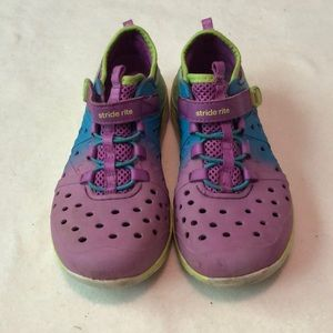 Girls Stride Rite water shoes